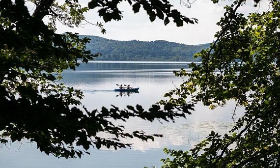 Atrévete a adentrarte en el Lago